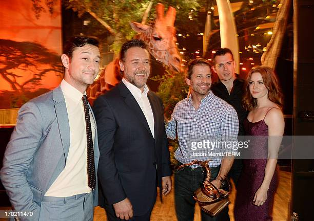 Actor Joseph GordonLevitt actor Russell Crowe director Zack Snyder actor Henry Cavill and actress Amy Adams attend Spike TV's Guys Choice 2013 at...