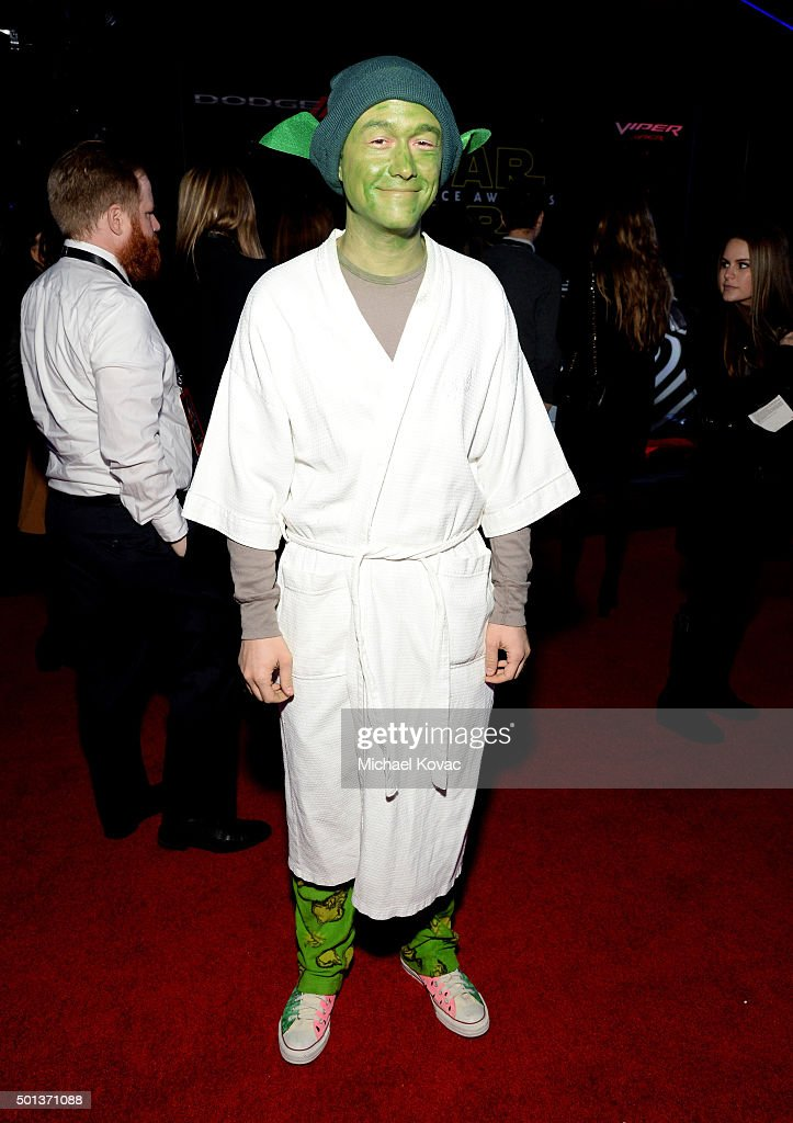 Actor Joseph Gordon-Levitt arrives at the premiere of Walt Disney Pictures' and Lucasfilm's 'Star Wars: The Force Awakens', sponsored by Dodge, at the Dolby Theatre, TCL Chinese Theatre and El Capitan Theatre on December 14, 2015 in Hollywood, California.