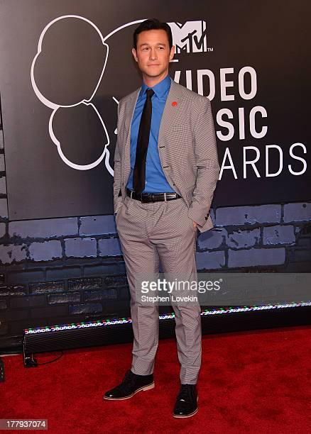 Actor Joseph GordonLevitt attends the 2013 MTV Video Music Awards at the Barclays Center on August 25 2013 in the Brooklyn borough of New York City