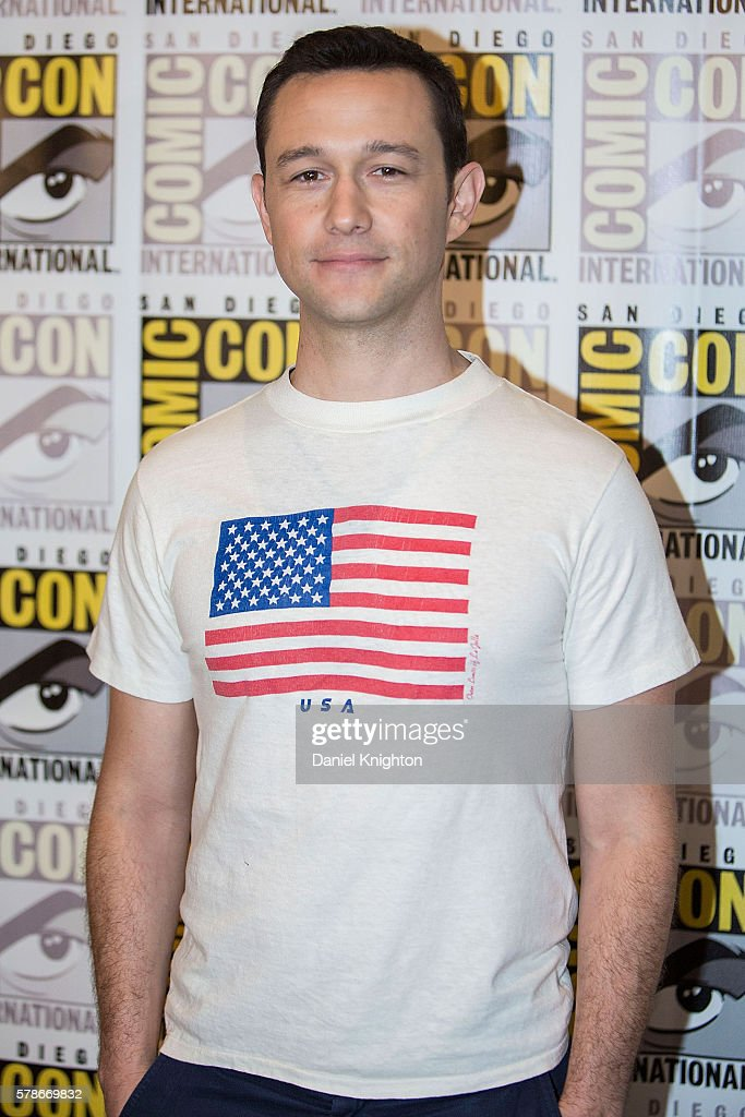Actor Joseph Gordon-Levitt attends the 'Snowden' press line during Comic-Con International 2016 - Day 1 at Hilton Bayfront on July 21, 2016 in San Diego, California.
