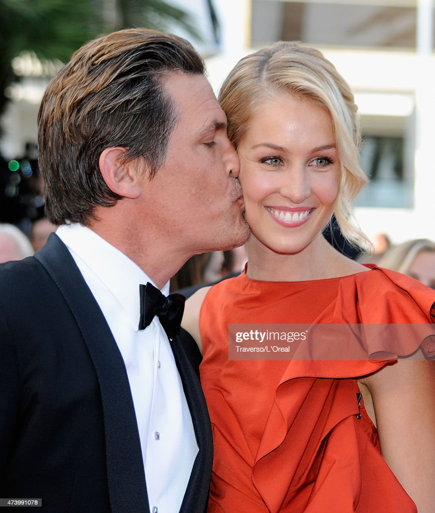 Actor Josh Brolin (L) and his fiancee Kathryn Boyd attend the Premiere of 'Sicario' during the 68th annual Cannes Film Festival on May 19, 2015 in Cannes, France.