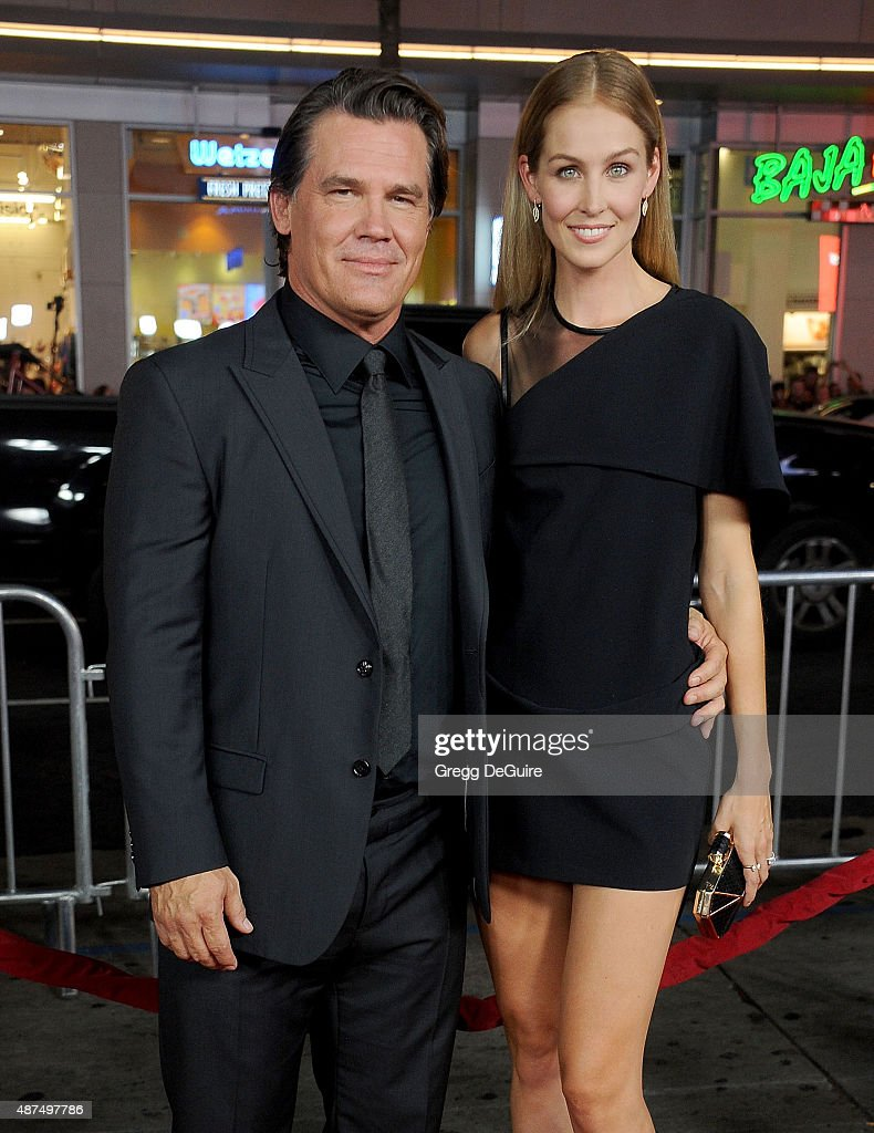 Actor Josh Brolin and Kathryn Boyd arrive at the premiere of Universal Pictures' 'Everest' at TCL Chinese 6 Theatres on September 9, 2015 in Hollywood, California.