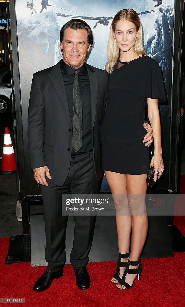 Actor Josh Brolin (L) and Kathryn Boyd attend the Premiere of Universal Pictures' 'Everest' at the TCL Chinese 6 Theatre on September 9, 2015 in Hollywood, California.