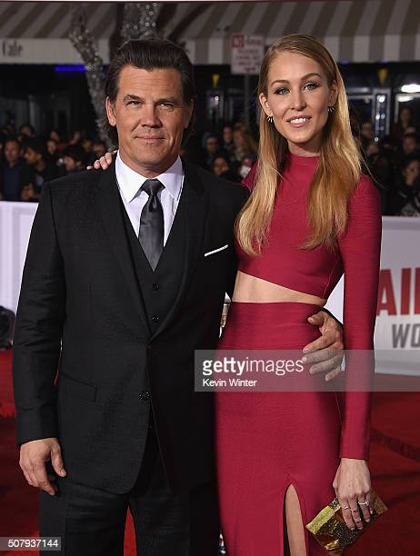 Actor Josh Brolin and Kathryn Boyd attend Universal Pictures' 'Hail Caesar' premiere at Regency Village Theatre on February 1 2016 in Westwood...