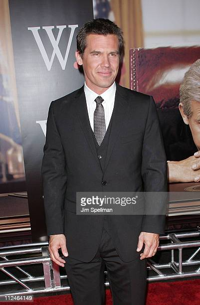 Actor Josh Brolin attends the premiere of 'W' at the Ziegfeld Theatre on October 14 2008 in New York City