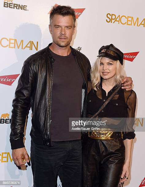 Actor Josh Duhamel and wife singer Fergie arrive at the premiere of Orion Pictures' 'Spaceman' at The London Hotel on August 7 2016 in West Hollywood...