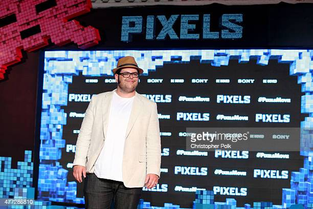 """Actor Josh Gad attends the """"Pixels"""" photo call during Summer Of Sony Pictures Entertainment 2015 at The Ritz-Carlton Cancun on June 15, 2015 in..."""