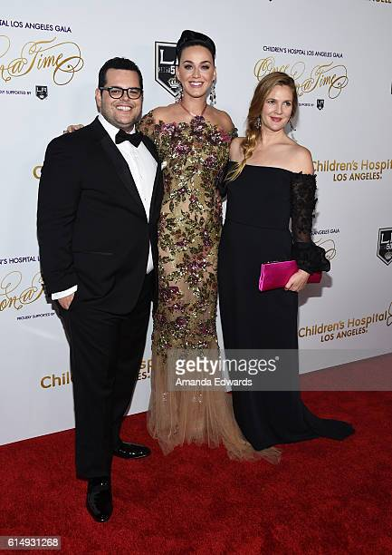 """Actor Josh Gad, singer Katy Perry and actress Drew Barrymore arrive at the 2016 Children's Hospital Los Angeles """"Once Upon a Time"""" Gala at the L.A...."""
