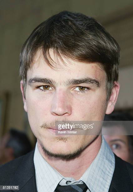Actor Josh Hartnett arrives at the World Premiere of MGM's Wicker Park at the Egyptian Theatre on August 31 2004 in Los Angeles California Photo by...