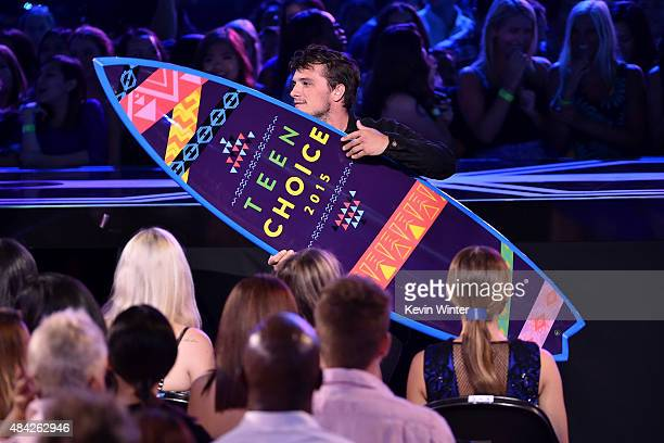 Actor Josh Hutcherson accepts the Choice Movie Actor: Sci-Fi/Fantasy Award for The Hunger Games: Mockingjay - Part 1 onstage during the Teen Choice...