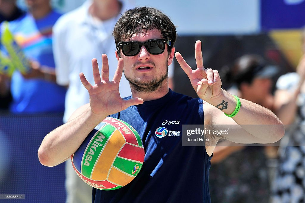 ASICS World Series Of Volleyball - Celebrity Charity Match : News Photo