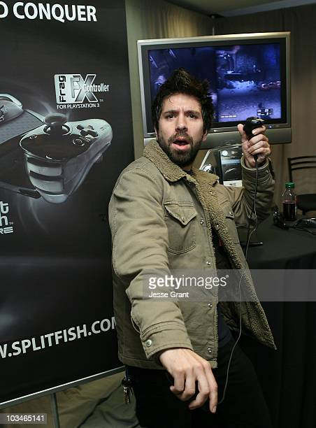 Y7ueczyw32m1lm He is an actor and producer, known for чак (2007), bioshock (2007) and нашествие (2005). 2008 wireimage