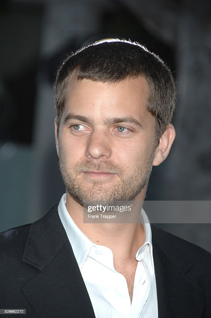 Actor Joshua Jackson arrives at the premiere of