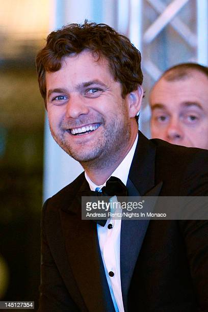 Actor Joshua Jackson reacts after bidding and winning a Carla Amorim necklace in the auction for girlfriend actress Diane Kruger the 'Nights In...