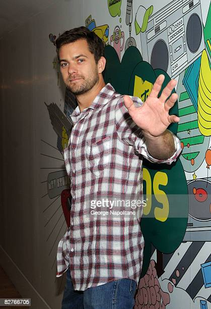 """Actor Joshua Jackson visits MTV's """"TRL"""" at the MTV studios in Times Square on September 8, 2008 in New York City."""