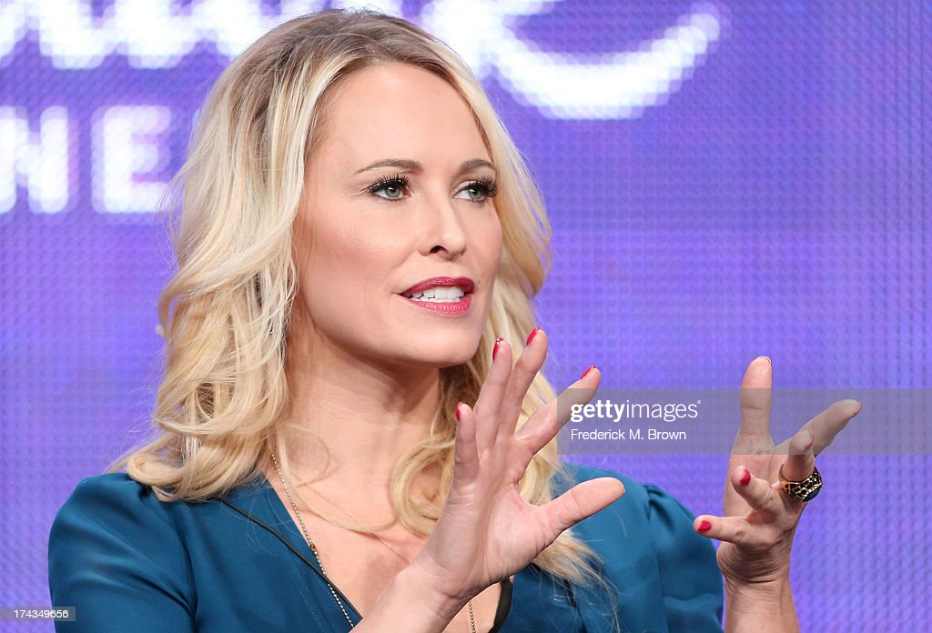 Christmas With Tucker.Actor Josie Bissett Speaks Onstage During The Christmas With