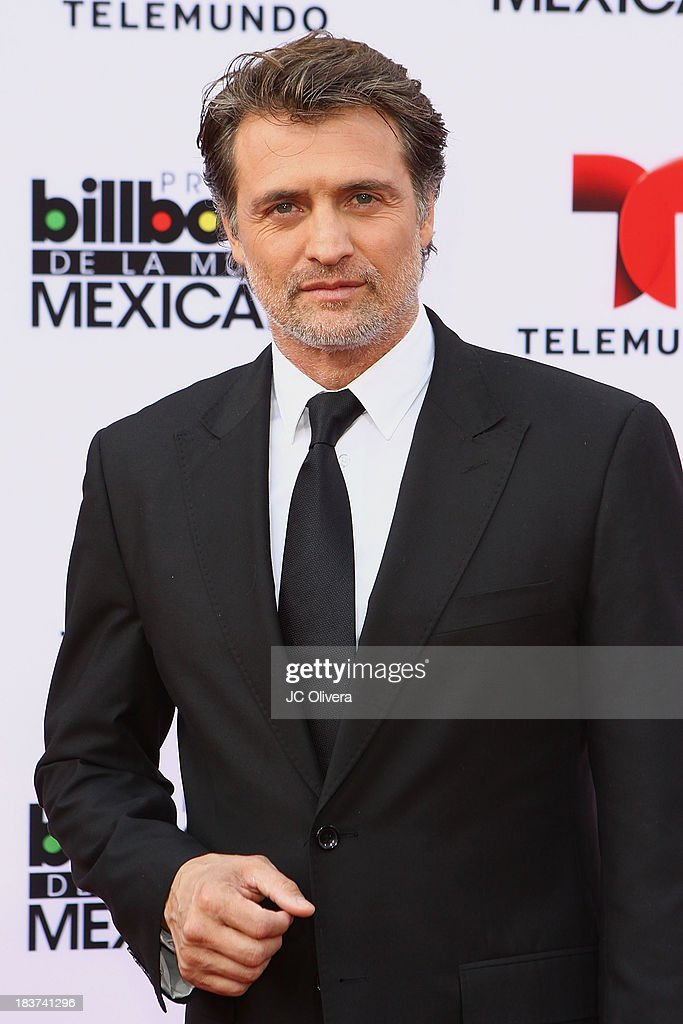 2013 Billboard Mexican Music Awards - Arrivals