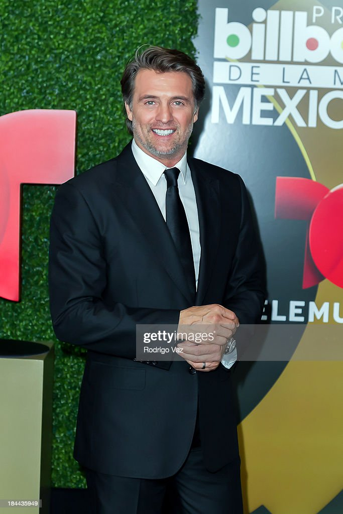 2013 Billboard Mexican Music Awards - Press Room