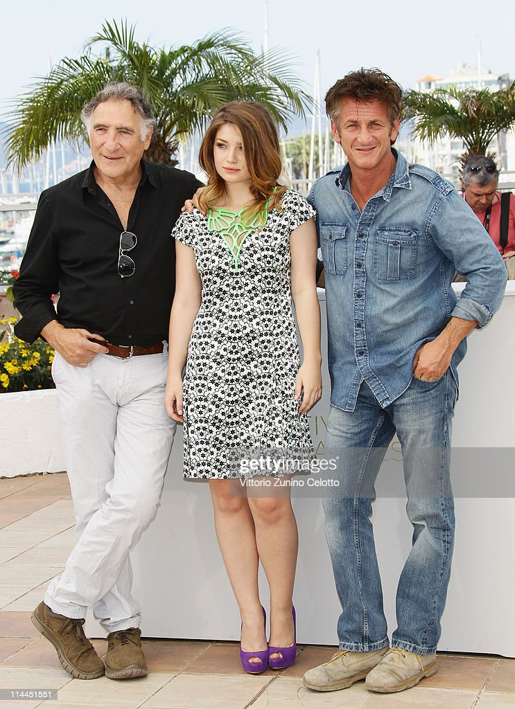 Actor Judd Hirsch, actor Sean Penn and actress Eve Hewson attend the 'This Must Be The Place' photocall during the 64th Annual Cannes Film Festival at Palais des Festivals on May 20, 2011 in Cannes, France.