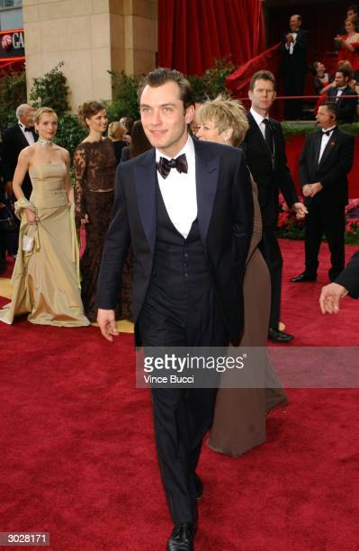 Actor Jude Law attends the 76th Annual Academy Awards on February 29 2004 at the Kodak Theater in Hollywood California