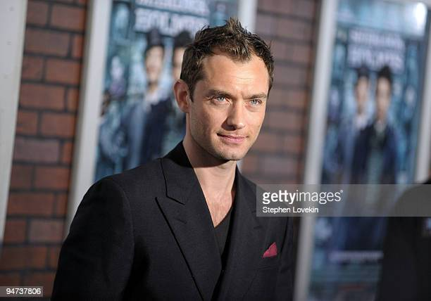 Actor Jude Law attends the New York premiere of Sherlock Holmes at the Alice Tully Hall Lincoln Center on December 17 2009 in New York City