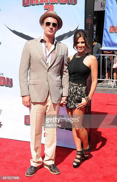 Actor Julian McMahon and model Kelly Paniagua attend the premiere of 'How To Train Your Dragon 2' on June 8 2014 at Regency Village Theatre in...