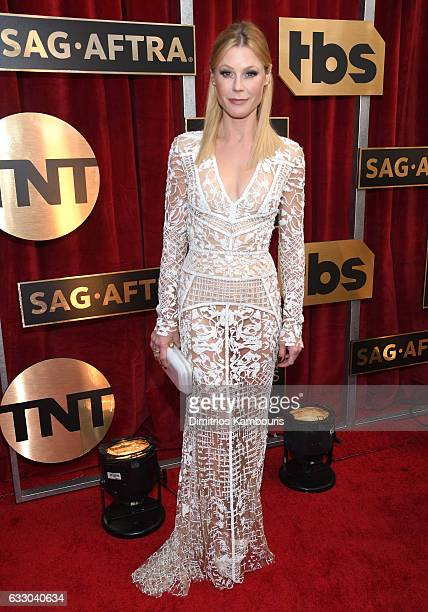 Actor Julie Bowen attends The 23rd Annual Screen Actors Guild Awards at The Shrine Auditorium on January 29 2017 in Los Angeles California 26592_009