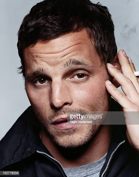 Actor Justin Chambers poses at a portrait session in New York in March 2005 Image was published in EastWest Magazine April 2005