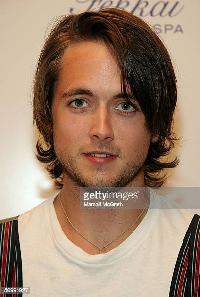 Actor Justin Chatwin attends the Frederic Fekkai and Victoria's Secret ''Beauty and the Boudoir'' Oscar Suite at Frederic Fekkai Hair Salon on March...