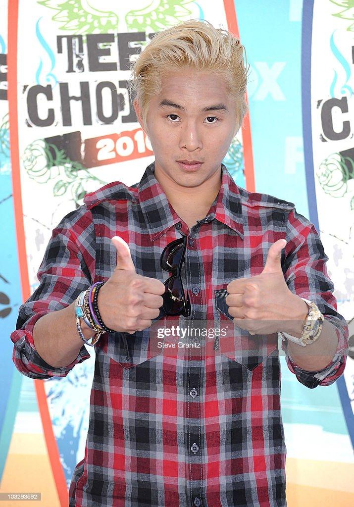 2010 Teen Choice Awards - Arrivals : News Photo