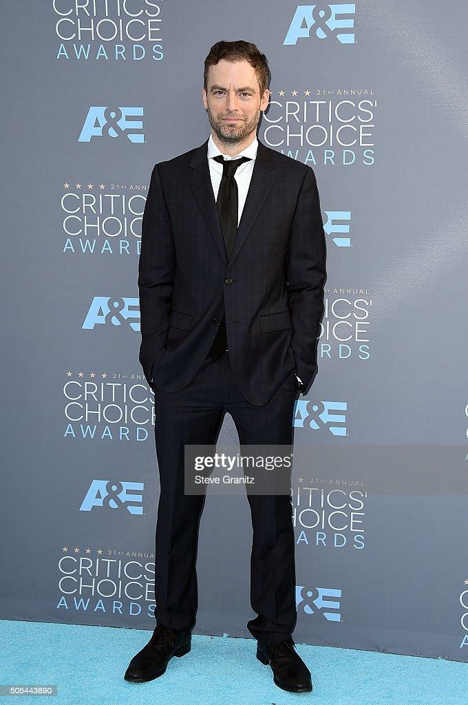 Actor Justin Kirk attends the 21st Annual Critics' Choice Awards at Barker Hangar on January 17, 2016 in Santa Monica, California.