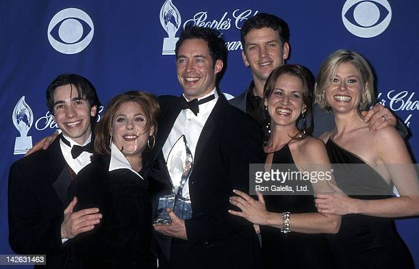 Actor Justin Long actress Lesley Boone actor Tom Cavanagh actor Josh Randall actress Jana Marie Hupp and actress Julie Bowen attend the 27th Annual...