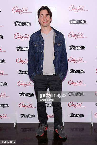 Actor Justin Long attends the Labyrinth Theater Company's Celebrity Charades Gala 2016 at Capitale on September 19 2016 in New York City