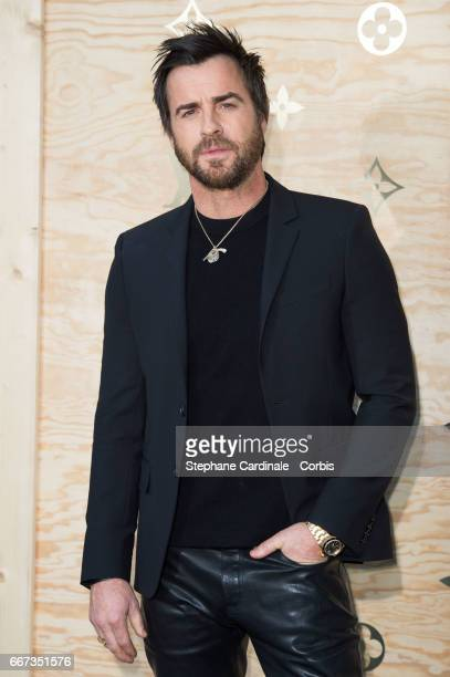 Actor Justin Theroux attends the Louis Vuitton's Dinner for the Launch of Bags by Artist Jeff Koons at Musee du Louvre on April 11 2017 in Paris...