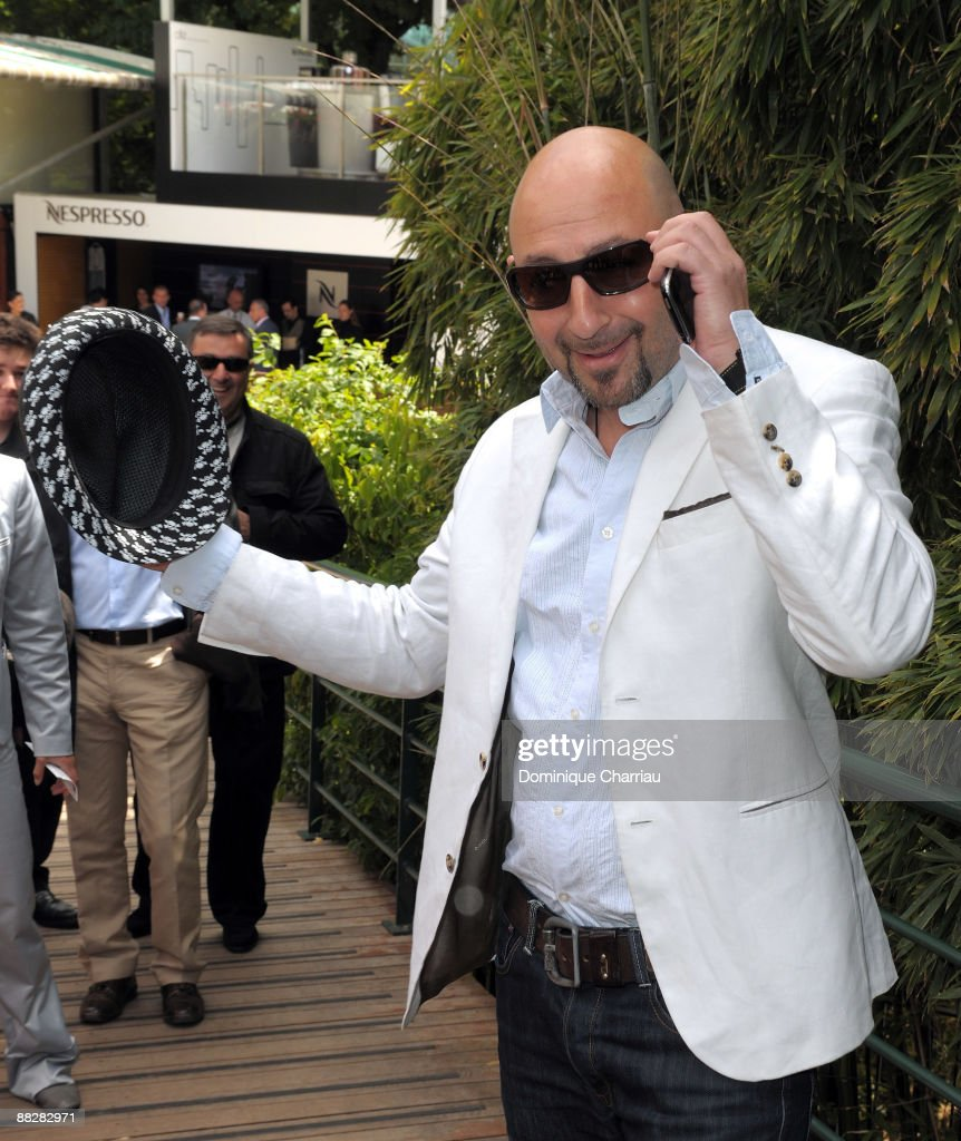 Actor Kad Merad attends The French Open 2009 at Roland Garros Stadium on June 7, 2009 in Paris, France.