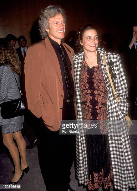 Actor Kale Browne and Actress Karen Allen attend The Player West Hollywood Premiere on April 3 1992 at DGA Theatre in West Hollywood California