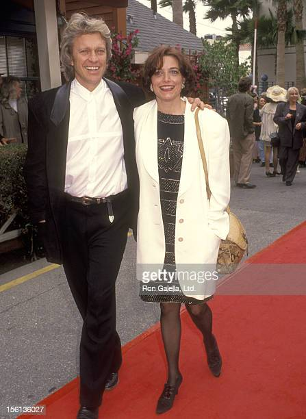 Actor Kale Browne and Actress Karen Allen attend the Seventh Annual IFP/West Independent Spirit Awards on March 28 1992 at Raleigh Studios in...