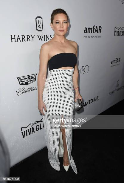 Actor Kate Hudson attends the amfAR Gala Los Angeles 2017 at Ron Burkle's Green Acres Estate on October 13 2017 in Beverly Hills California