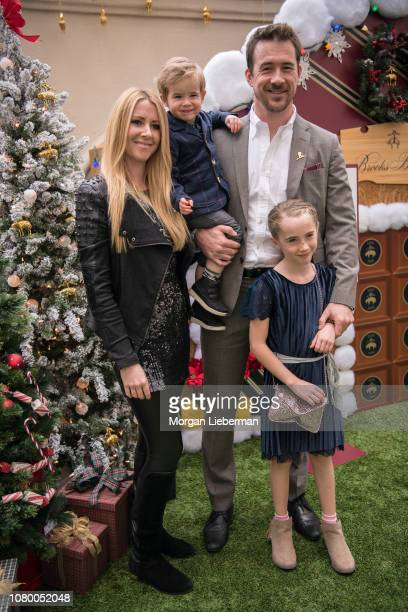 Actor Katy O'Grady Lennon Michael Sloane actor Barry Sloane and Gracie Sloane arrive at the Brooks Brothers Annual Holiday Celebration To Benefit St...
