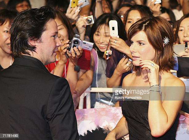 34 Keanu Reeves And Sandra Bullock Promote The Lake House Photos And Premium High Res Pictures Getty Images