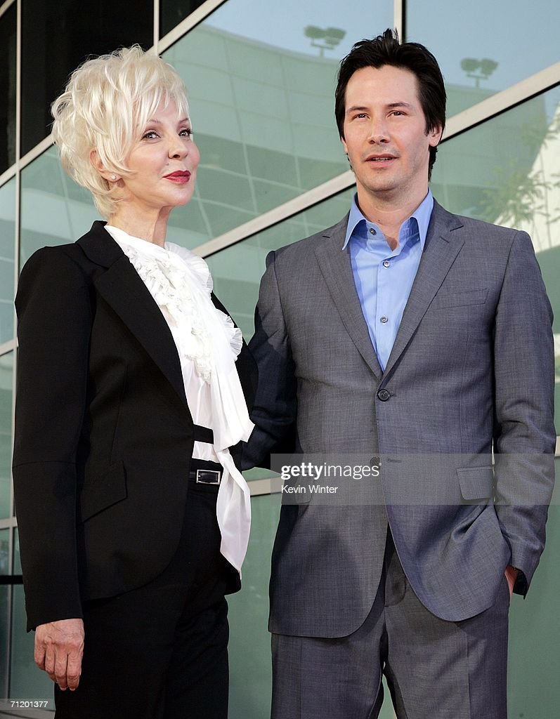 """Premiere of Warner Bros. Pictures' """"The Lake House"""" - Arrivals : News Photo"""