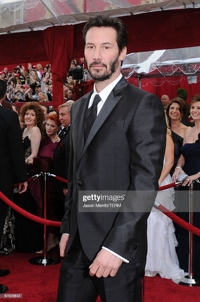 Actor Keanu Reeves arrives at the 82nd Annual Academy Awards held at Kodak Theatre on March 7, 2010 in Hollywood, California.