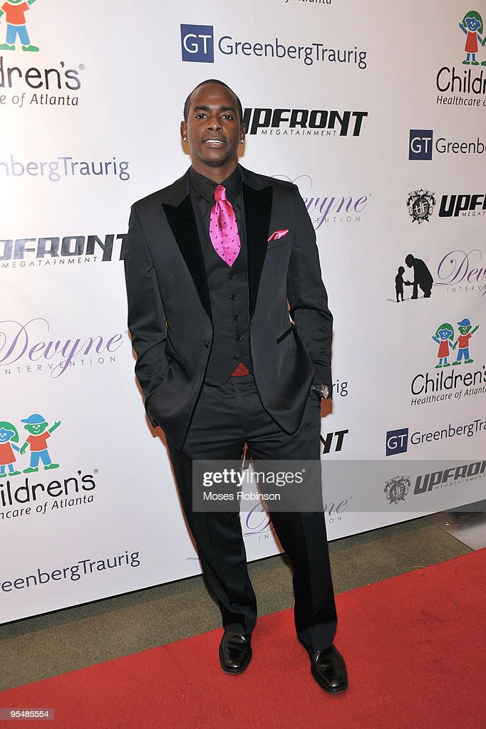 Actor Keith Robinson attends Devyne Stephens' 2009 annual Christmas gala at the Atlanta History Center on December 22, 2009 in Atlanta, Georgia.