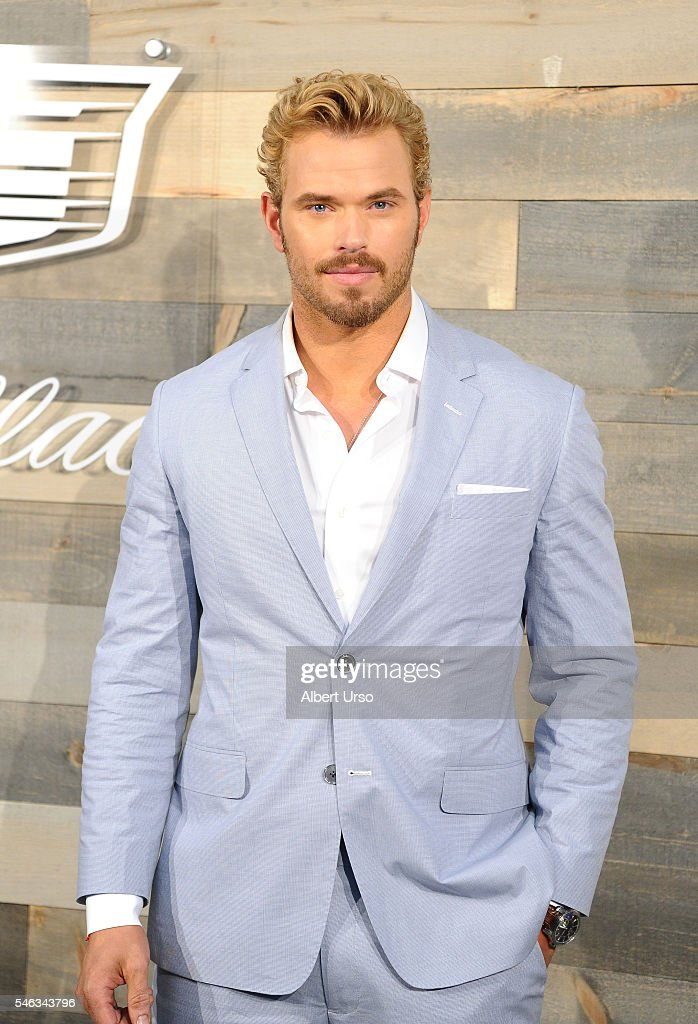 CFDA x Cadillac Opening Night Party - New York Fashion Week: Men's S/S 2017 : News Photo