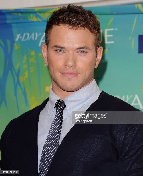 Actor Kellan Lutz poses at the 2011 Teen Choice Awards Press Room at Gibson Amphitheatre on August 7, 2011 in Universal City, California.