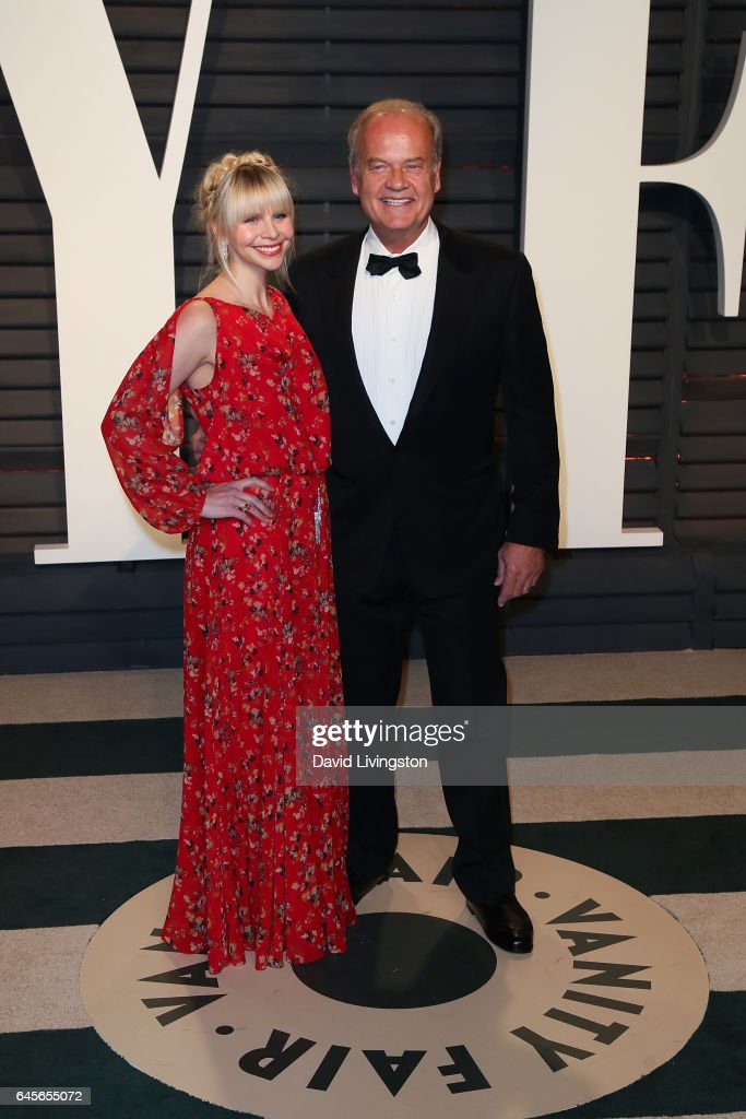 Actor Kelsey Grammer (R) and Kayte Walsh attend the 2017 Vanity Fair Oscar Party hosted by Graydon Carter at the Wallis Annenberg Center for the Performing Arts on February 26, 2017 in Beverly Hills, California.