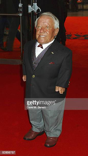 R2D2 actor Kenny Baker attends UK Premiere of 'Star Wars Episode III Revenge Of The Sith' at Odeon Leicester Square on May 16 2005 in LondonThe...