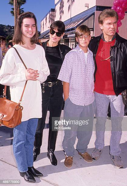 Actor Kent McCord wife Cynthia Lee Doty daughter Megan McCord and son Michael McCord attend The Wizard Universal City Premiere on December 2 1989 at...