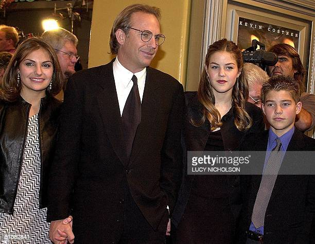 US actor Kevin Costner arrives at the premiere of his new film Thirteen Days about the 1962 Cuban missile crisis with his daughter Annie daughter...
