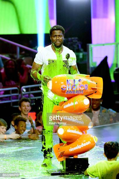 Actor Kevin Hart onstage at Nickelodeon's 2017 Kids' Choice Awards at USC Galen Center on March 11 2017 in Los Angeles California